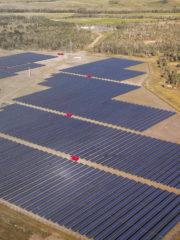 grande centrale photovoltaïque-au sol-solaire-énergie-rentabilité