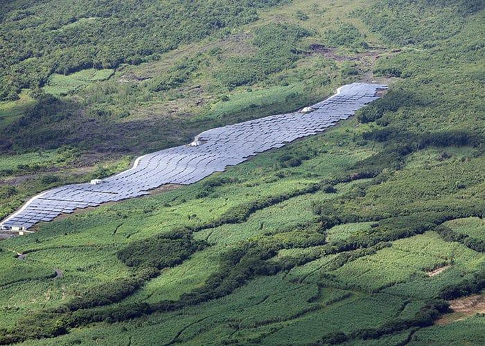 développement projet-electricite-professionnel-energie-panneaux-solaires-sunzil-la-reunion-grande centrale au sol